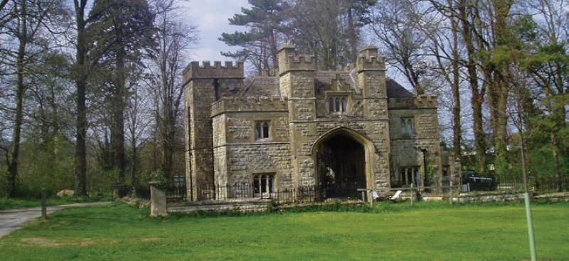 Almsbury Lodge